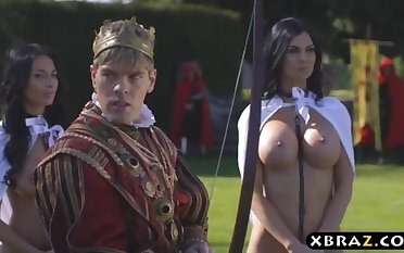 King romps his buxom promiscuous servants Jasmine and Anissa